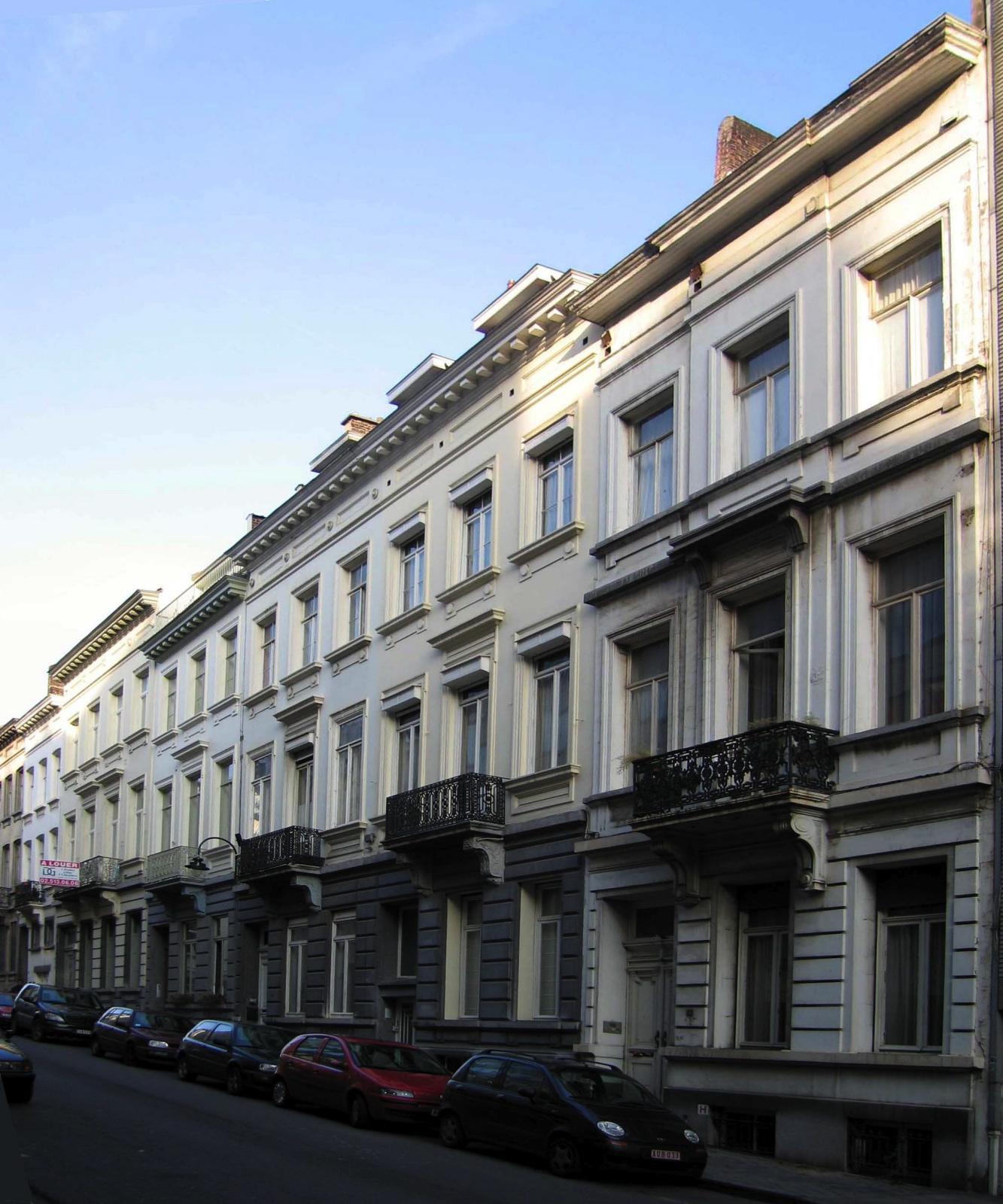 Rue Mercelis 82 à 72, vue vers l\'avenue Louise., 2005