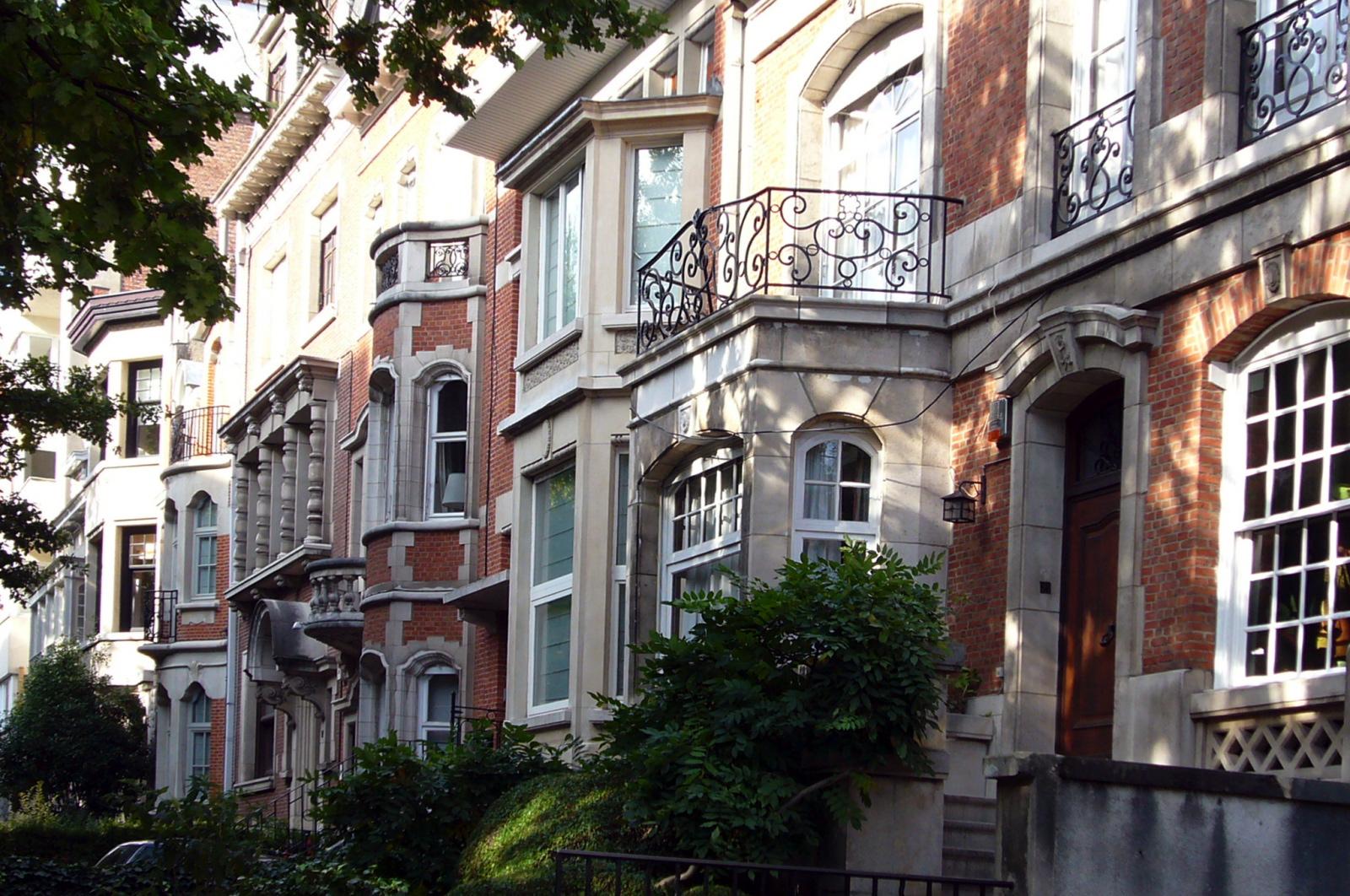 Avenue des Scarabées, enfilade côté pair., 2006