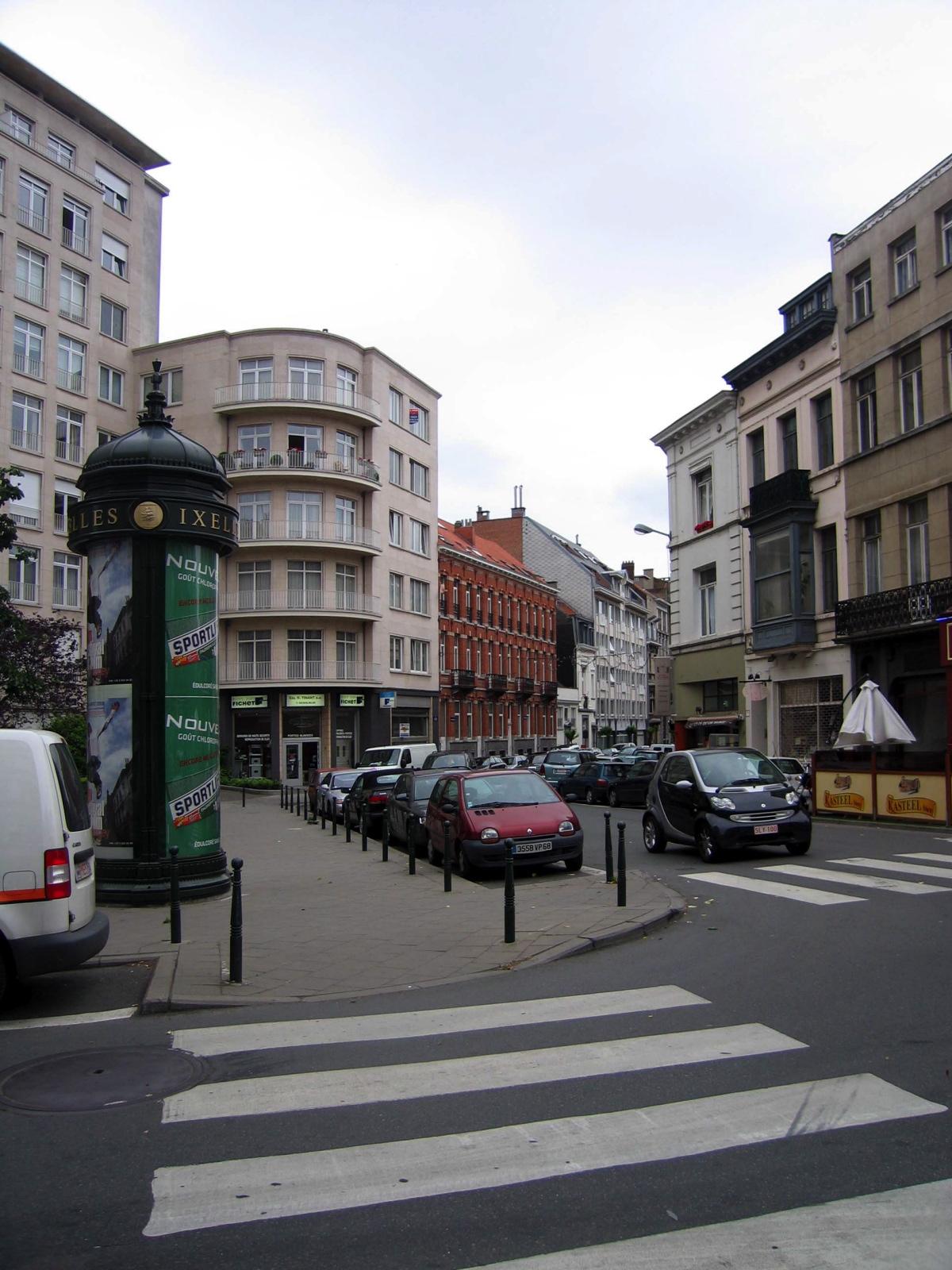 Rue Washington, à l\'angle avec la rue du Châtelain., 2006