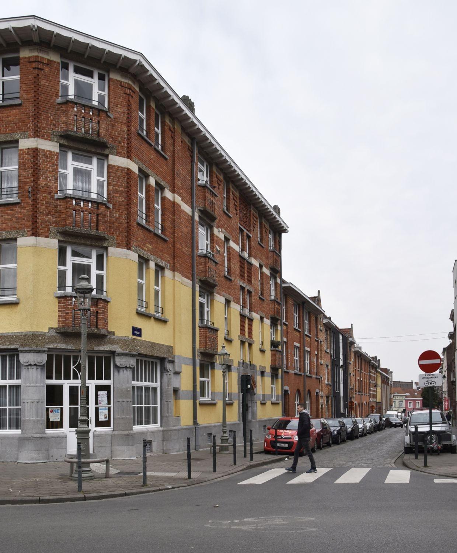 Rue Fineau, vue du côté impair depuis la rue Émile Delva© ARCHistory / APEB, 2018
