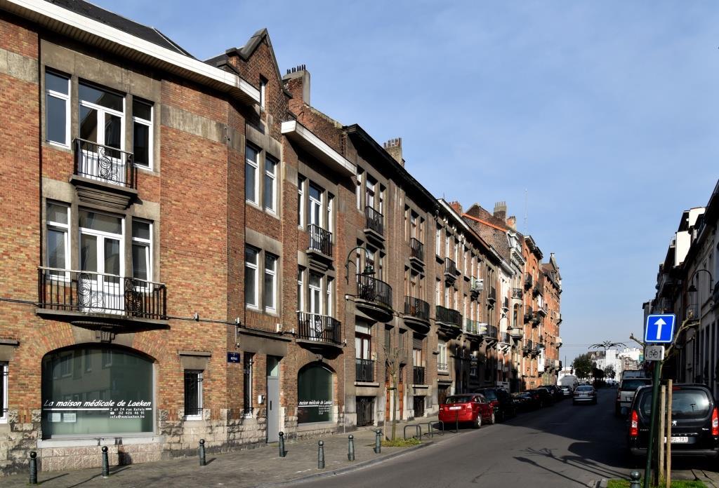 Rue Ketels, vue du côté pair depuis la place Joseph Benoit Willems, 2017