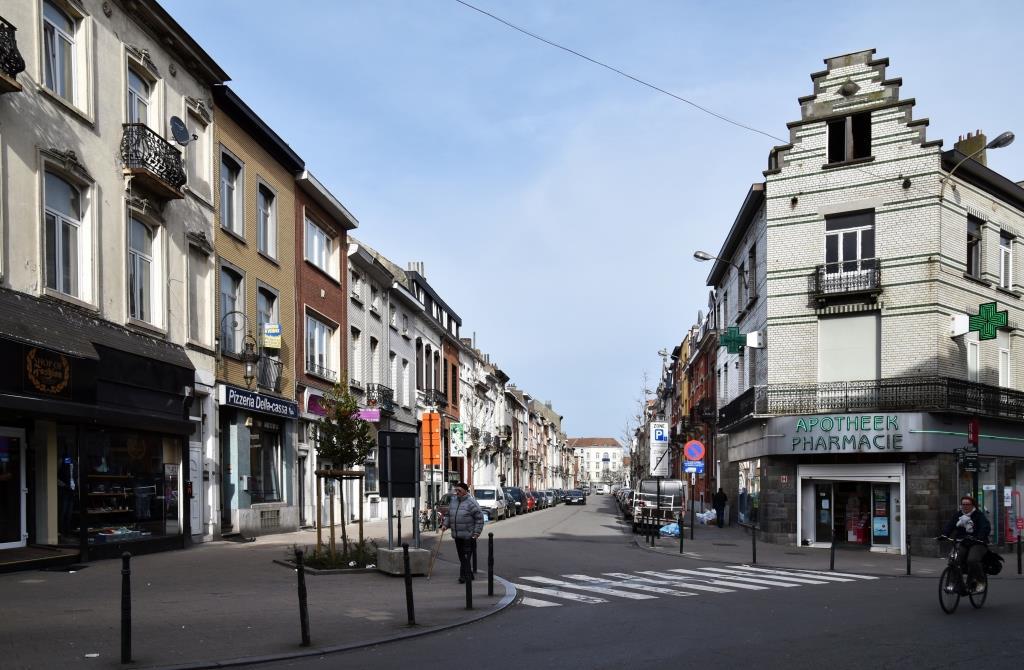 Rue de la Royauté, vue depuis la rue Marie-Christine, 2017