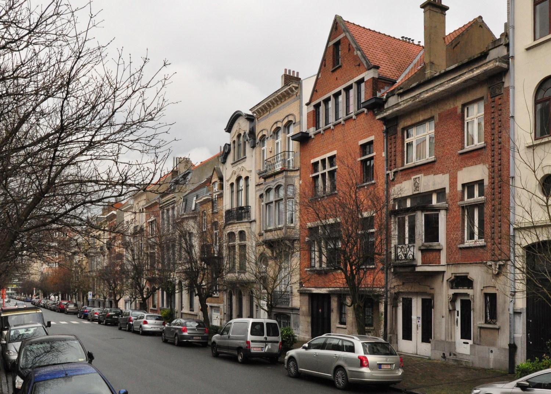 Avenue de l'Opale, vue côté impair vers le boulevard Auguste Reyers, 2011