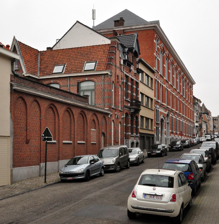 Rue de l'Orme, vue du côté pair depuis la rue du Noyer, 2012