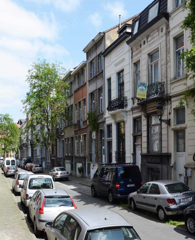 Rue Emmanuel Hiel, vue du côté pair, 2014