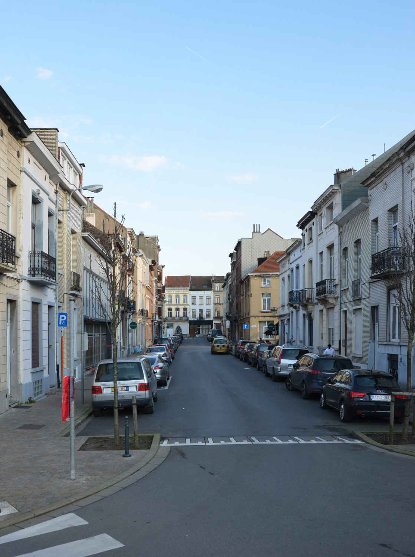 Rue James Watt, vue depuis la place Stephenson , 2014