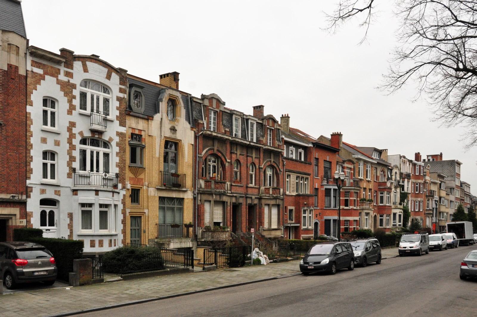 Avenue du Suffrage universel, vue du côté impair depuis l\'avenue Louis Bertrand, 2013