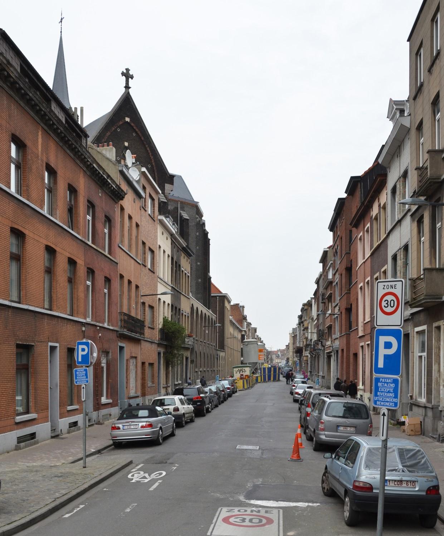 Rue Vanderlinden, vue depuis la rue des Palais, 2014