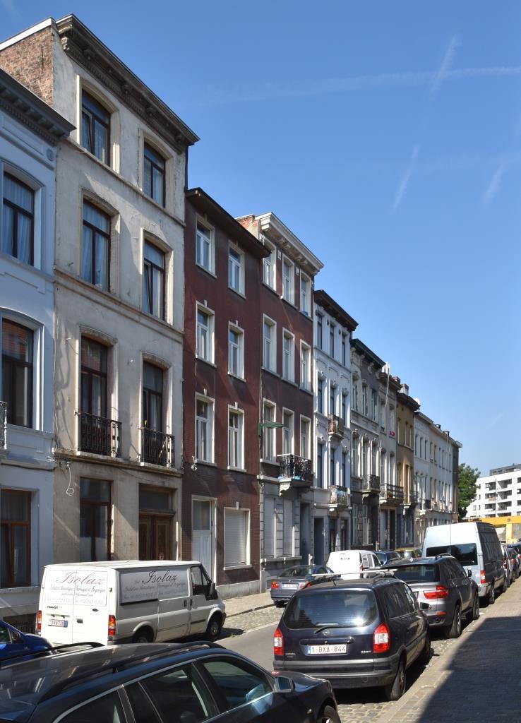 Rue Gendebien, vue du côté pair vers la place Gaucheret, 2016