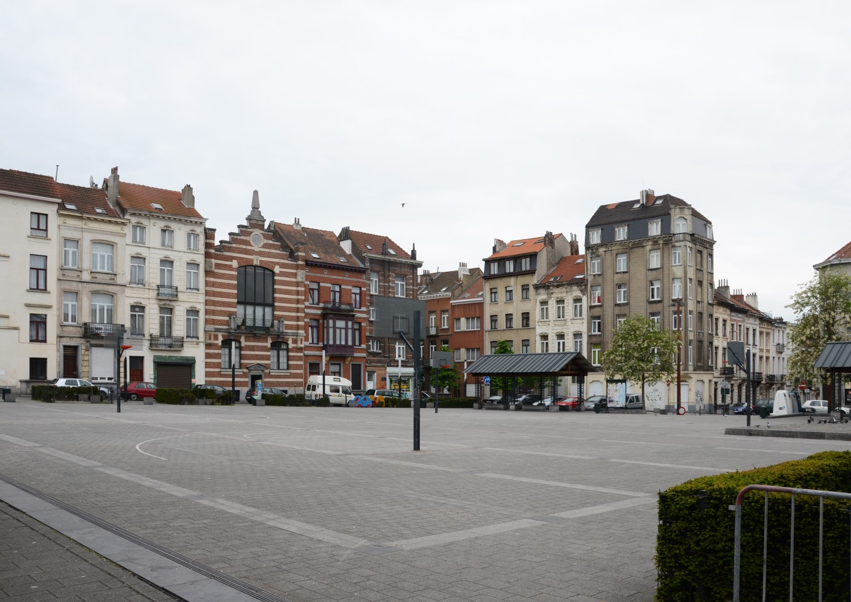 Place Lehon, vue depuis la rue Royale Sainte-Marie, 2014
