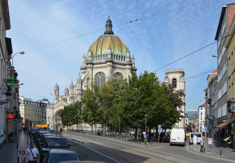 Place de la Reine, vue depuis la chaussée de Haecht, 2014