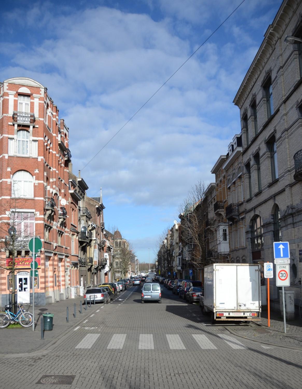 Rue Portaels, vue depuis la place Eugène Verboekhoven, 2014