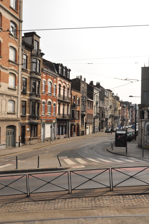 Rue Waelhem, vue du côté pair depuis la place Eugène Verboekhoven, 2013