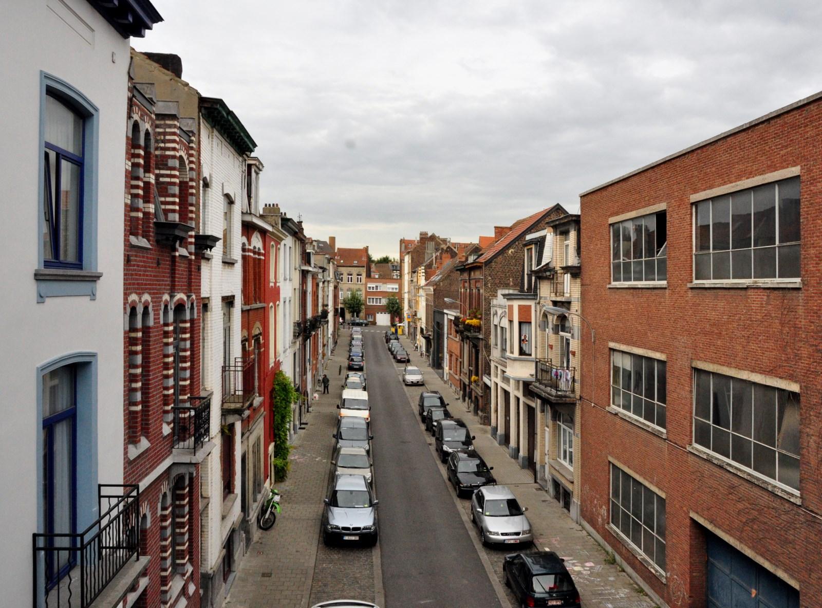 Rue Auguste Snieders, vue depuis l\'avenue Zénobe Gramme, 2012