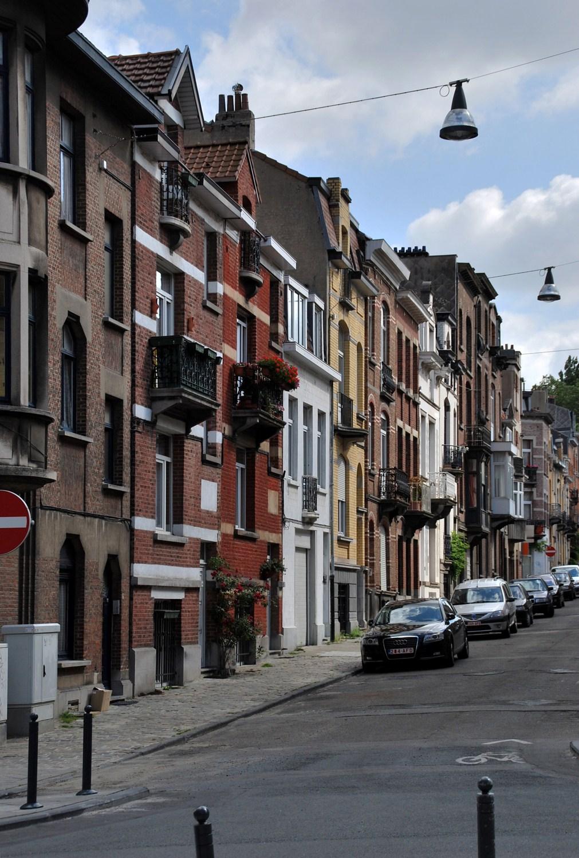 Rue Fontaine d'Amour, vue du côté pair depuis la rue des Pâquerettes, 2011