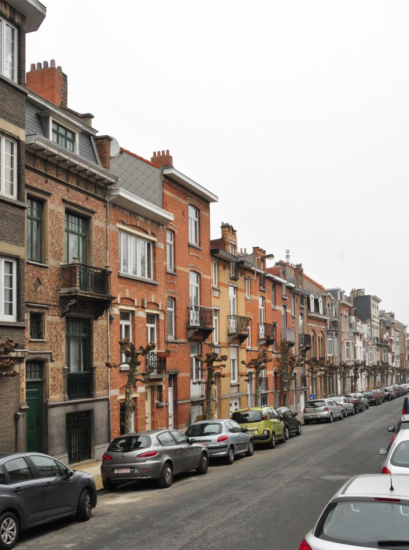 Rue de la Luzerne, vue du côté pair depuis la rue Auguste Lambiotte, 2012