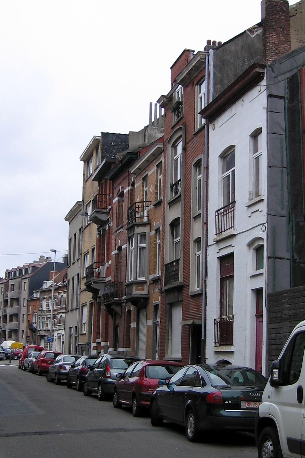Rue Alex Marcette, côté impair, vue vers la place Saint-Antoine., 2007