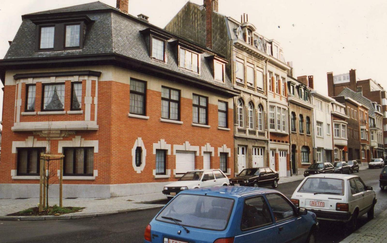 Rue de Bollandistes, enfilade côté pair, vue depuis la rue des Taxandres., 1994