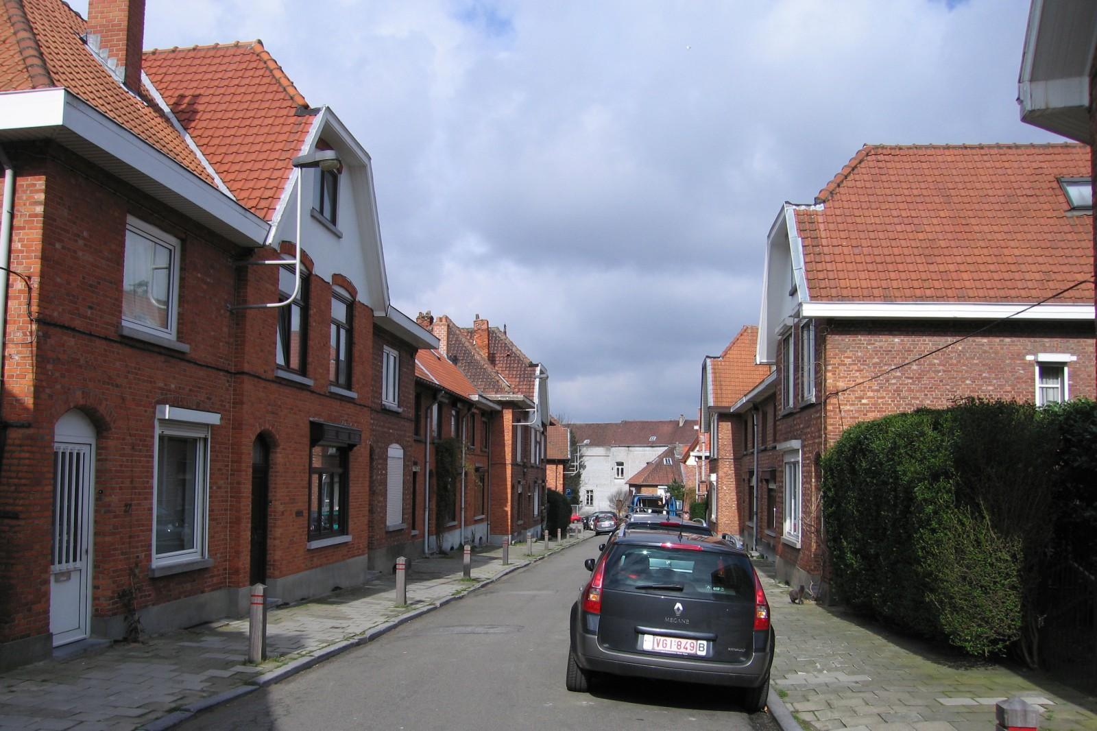 Rue Camille Coquilhat, vue vers la rue Général Fivé., 2007