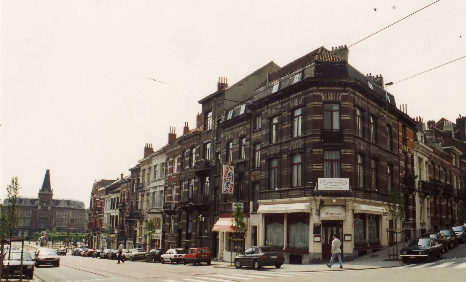 L\'îlot entre la place Saint-Pierre et la rue des Francs, côté impair (photo 1993-1995).