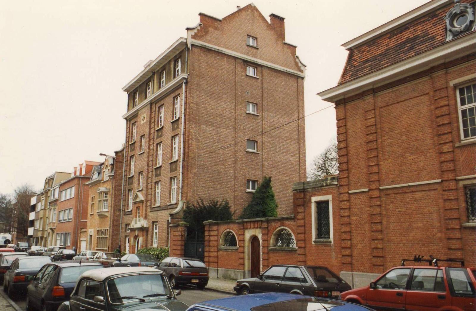 Rue Charles De Buck, enfilade côté impair vers la rue Père E. Devroye., 1993