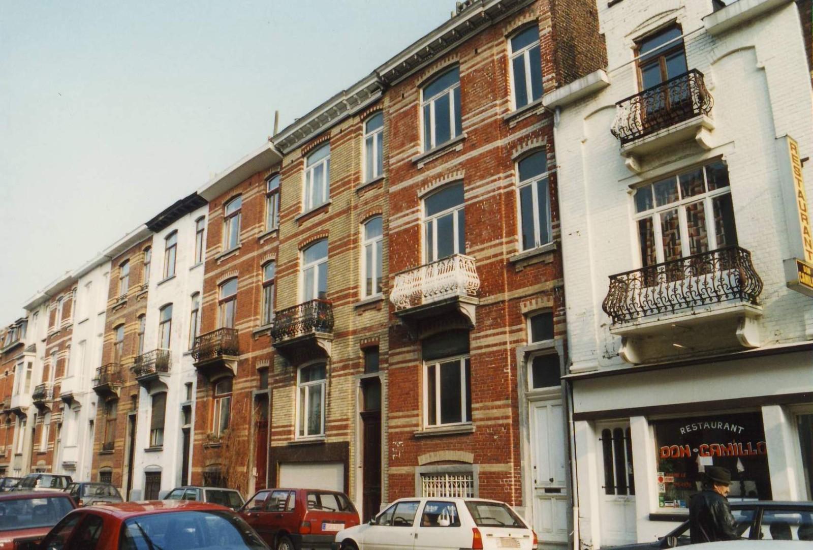 Rue Charles De Groux, enfilade côté impair., 1994