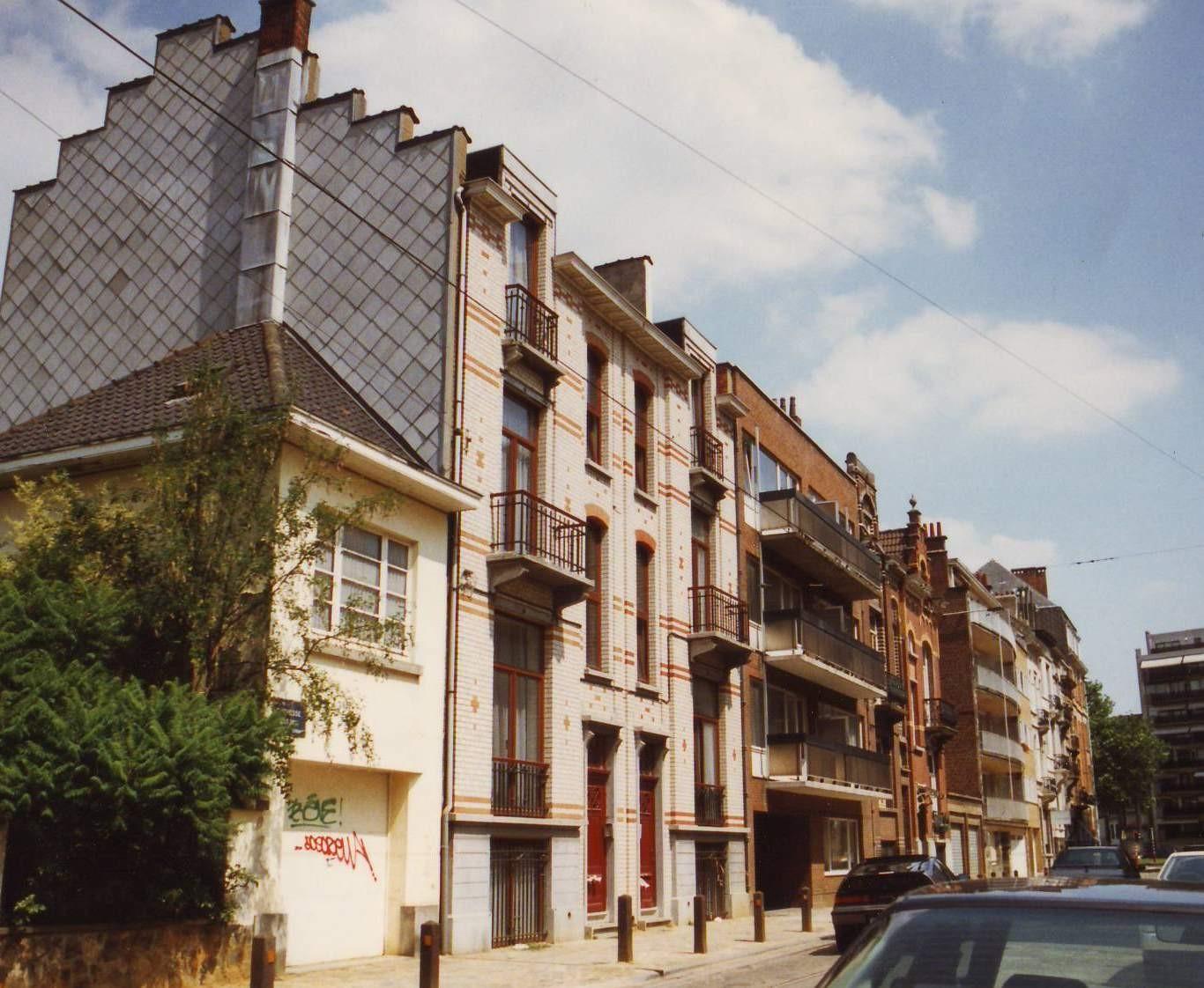 Rue de la Duchesse, côté pair vers l\'avenue Brand Whitlock (Woluwe-Saint-Pierre)., 1994