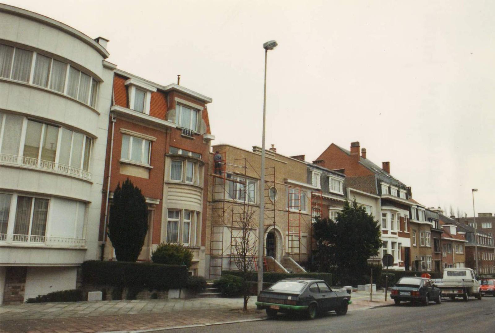 Avenue Edmond Mesens, côté pair: l\'ilôt entre la rue J. Vandersmissen et la rue des Volontaires., 1993