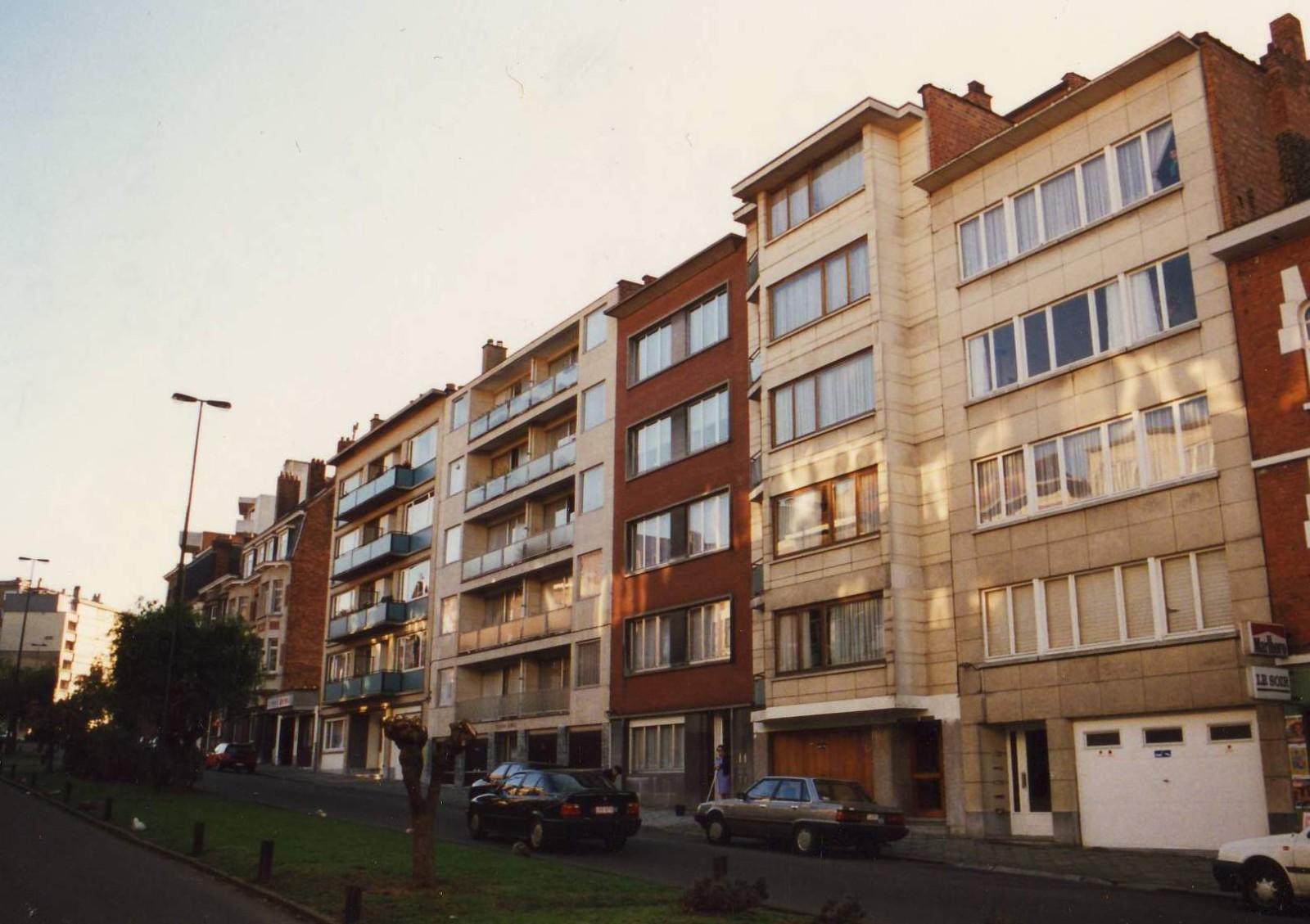 Avenue Edouard de Thibault, enfilade côté impair., 1993