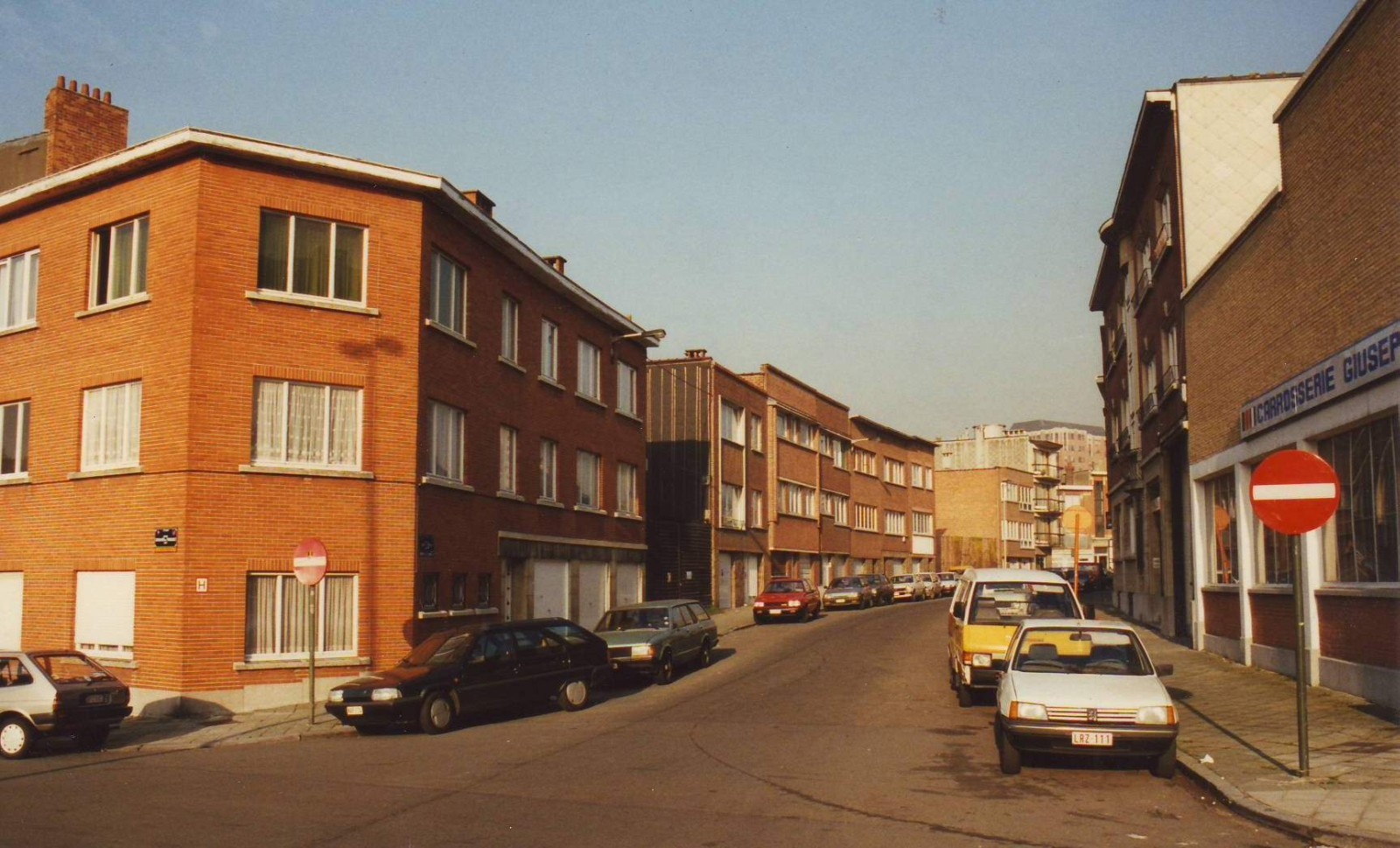 Rue de la Gare, tronçon entre l\'avenue E. de Thibault et la rue de la Grande Haie., 1993