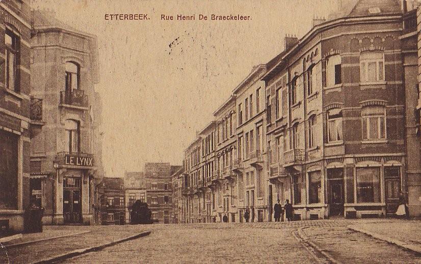 Rue Henri de Braeckeleer, vue vers la rue Charles De Groux depuis le carrefour avec la rue de Linthout, cachet de la poste de 1912 (Collection de Dexia Banque).