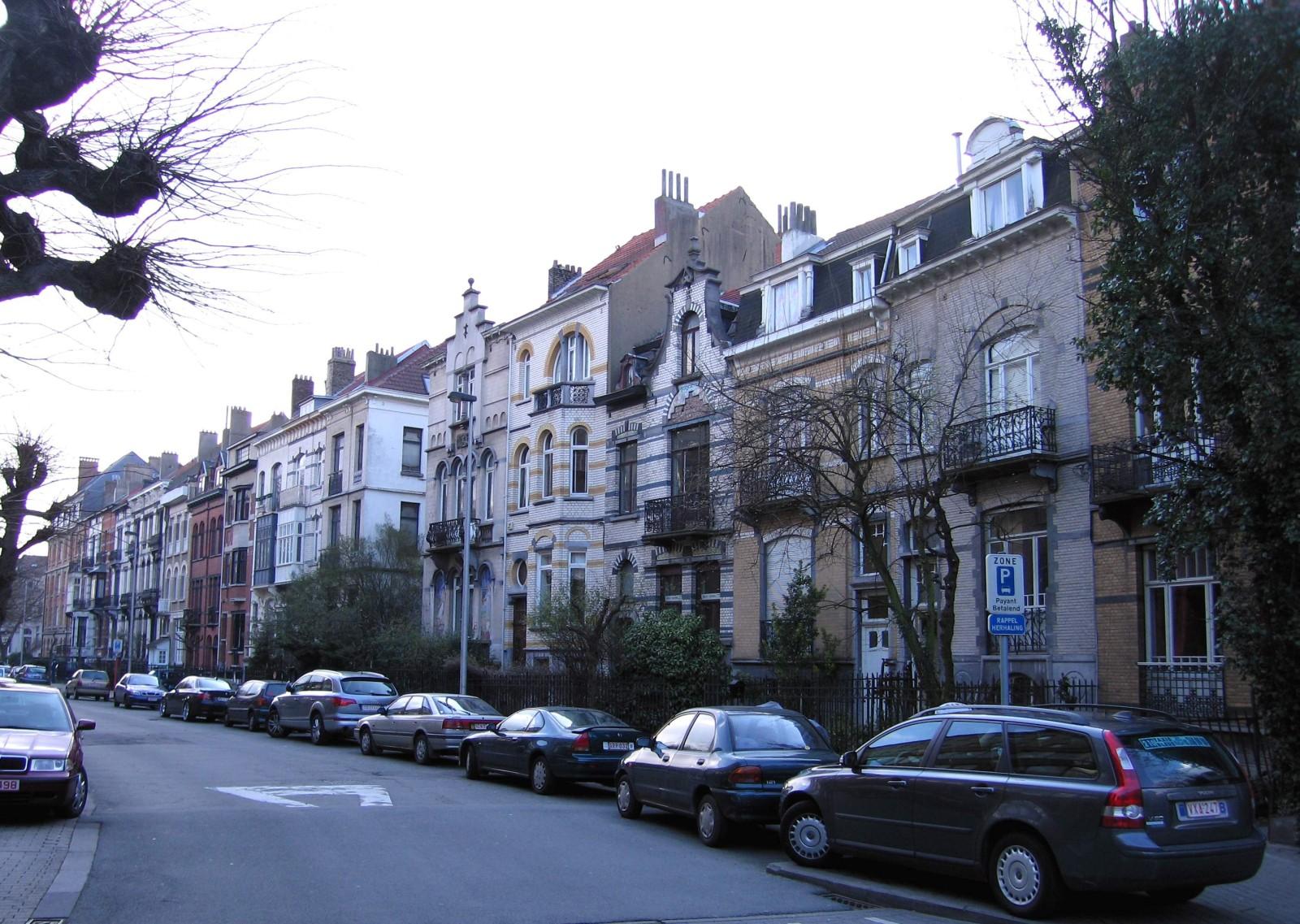 Avenue Henri Dietrich, côté impair, vue vers le boulevard Brand Whitlock., 2007