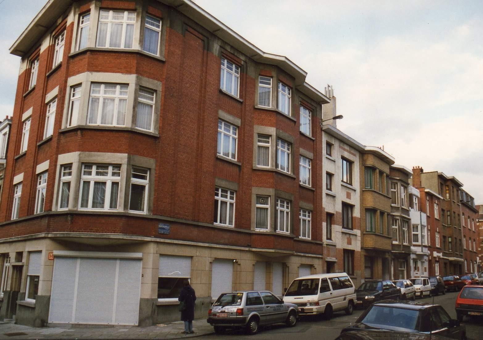 Rue de Ramskapelle, enfilade côté pair depuis la rue Tervaete., 1994