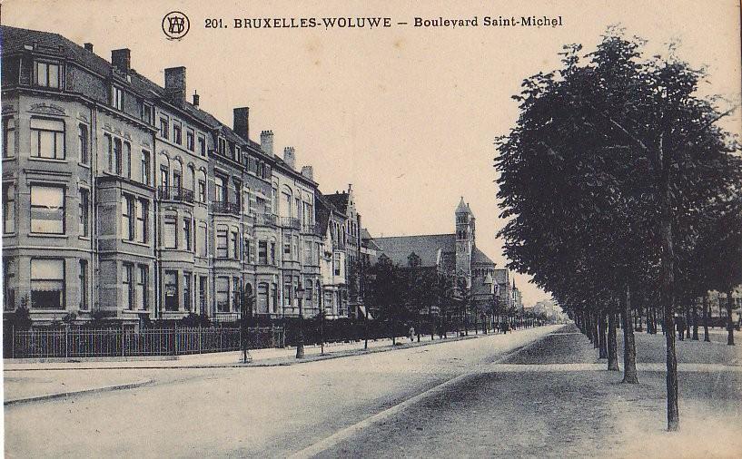 Boulevard Saint-Michel, enfilade côté pair depuis le square Montgomery, s.d. (Collection de Dexia Banque).