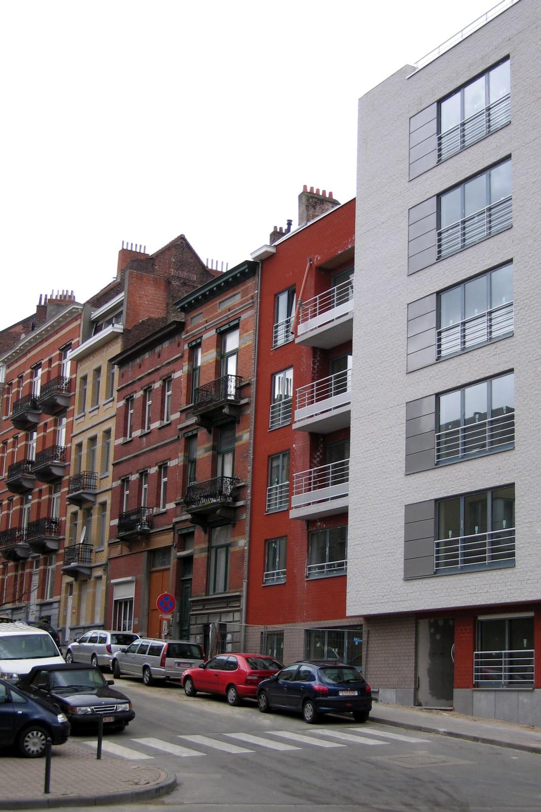 Rue du Sceptre, derniers numéros côté pair, vers Ixelles., 2007