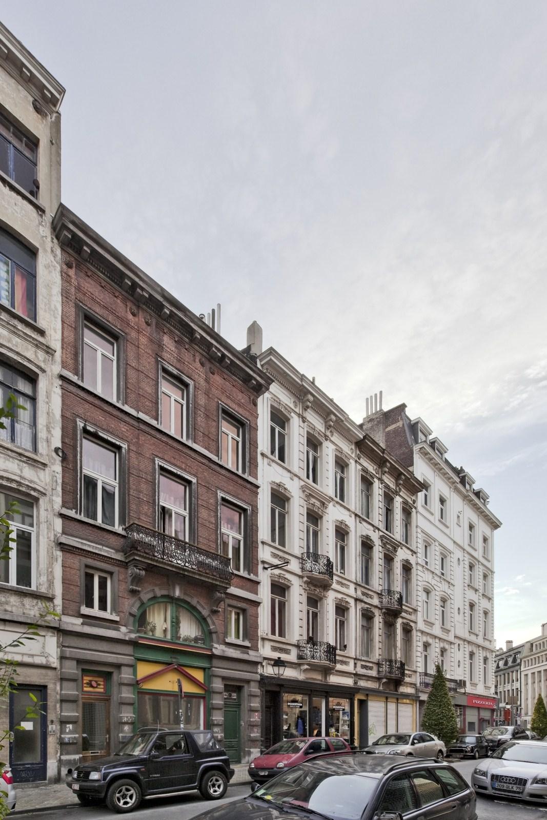 Rue de l'Athénée 1 à 7, enfilade néoclassique d'immeubles de rapport à rez-de-chaussée commercial.© 2009 © bepictures / BRUNETTA V. – EBERLIN M.