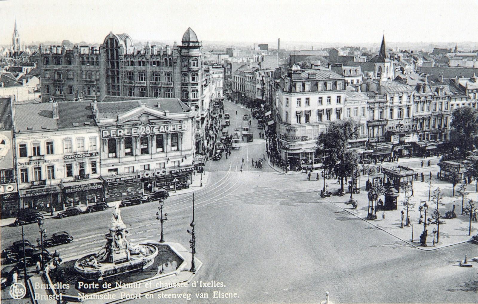 Vue de la porte de Namur avant l'aménagement du square du Bastion, s.d. (AVB/CP carte postale).