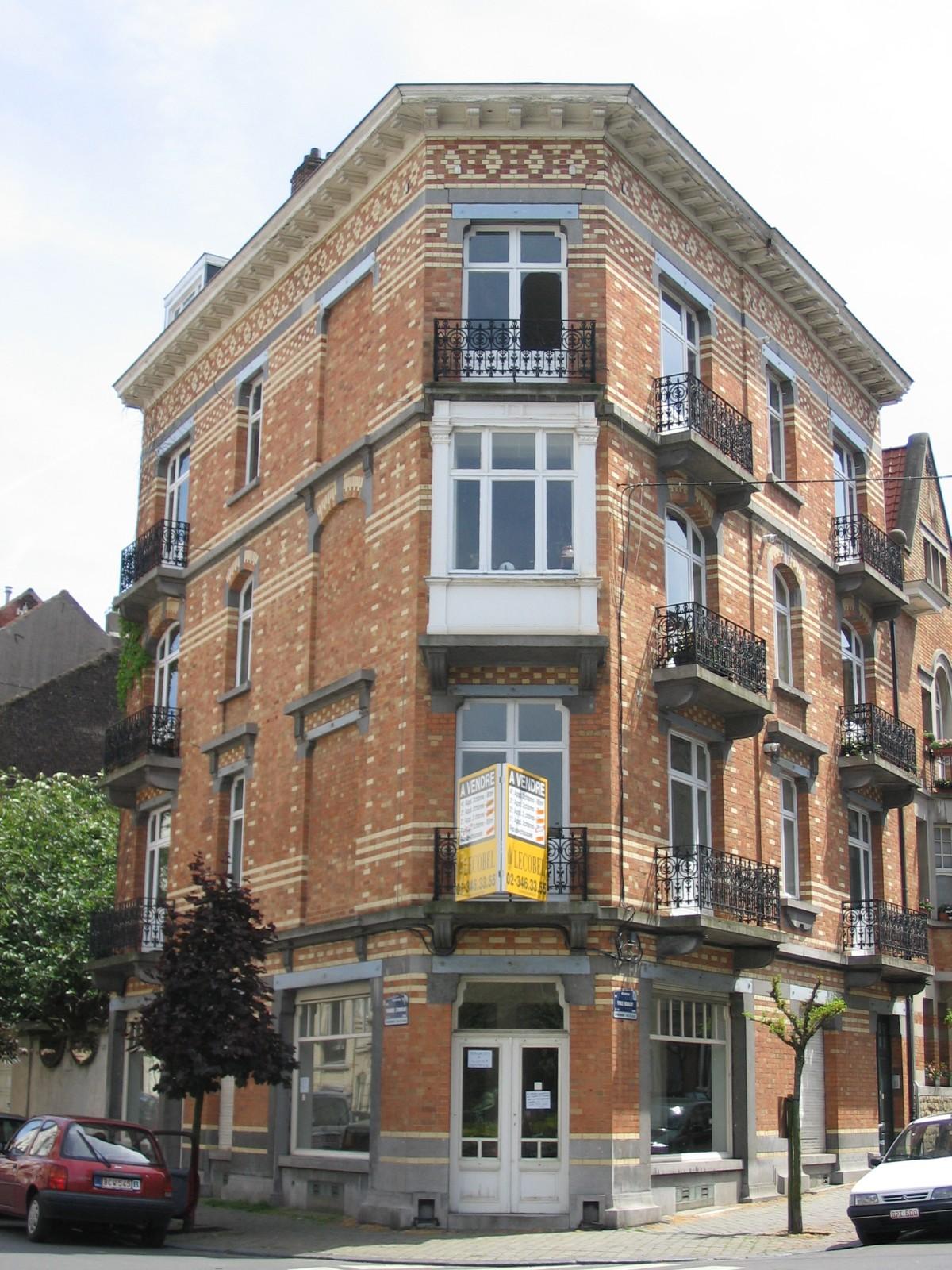 Emile Bouilliotstraat 18-20, architecte Joseph Hallaux, 1913., 2007