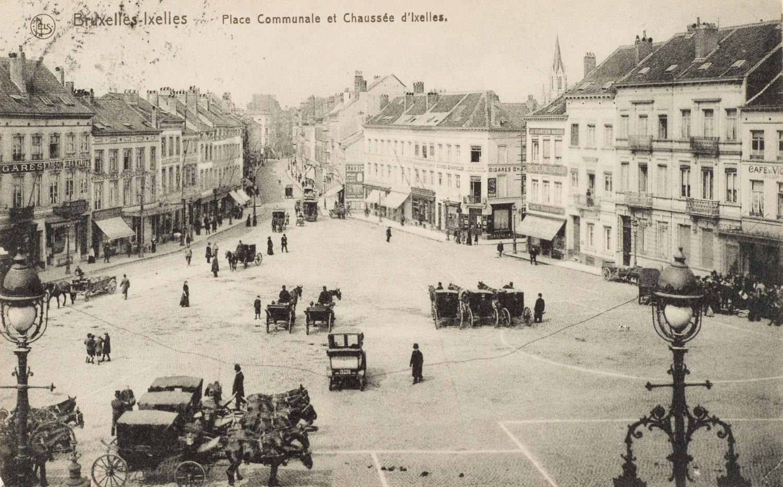 Place Fernand Cocq, vue générale vers la Porte de Namur, vers 1900 © (Collection Dexia Banque).