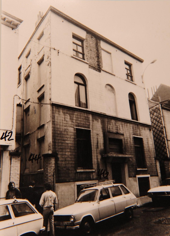 Rue Goffart 44-50, Carré Vannot, photo de la cité prise juste avant sa démolition,© ACI/Urb. 154-44-50 (1987).