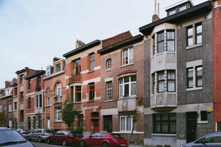 Rue Jean-Baptiste Colyns 71 à 61, enfilade de petites maisons d'inspiration Art Déco., 2006