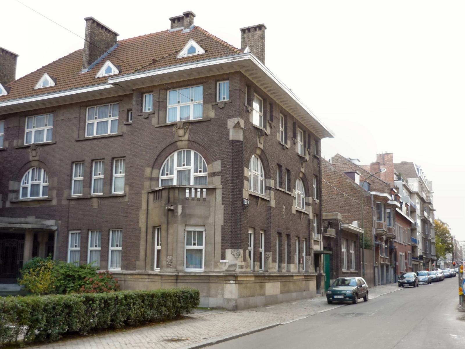 Rue Joseph Stallaert, côté pair., 2008