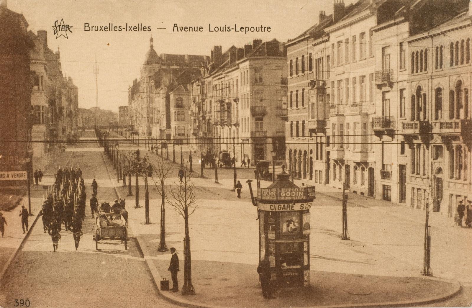 Avenue Louis Lepoutre, vue vers chaussée de Waterloo, vers 1910 (Collection de Dexia Banque).