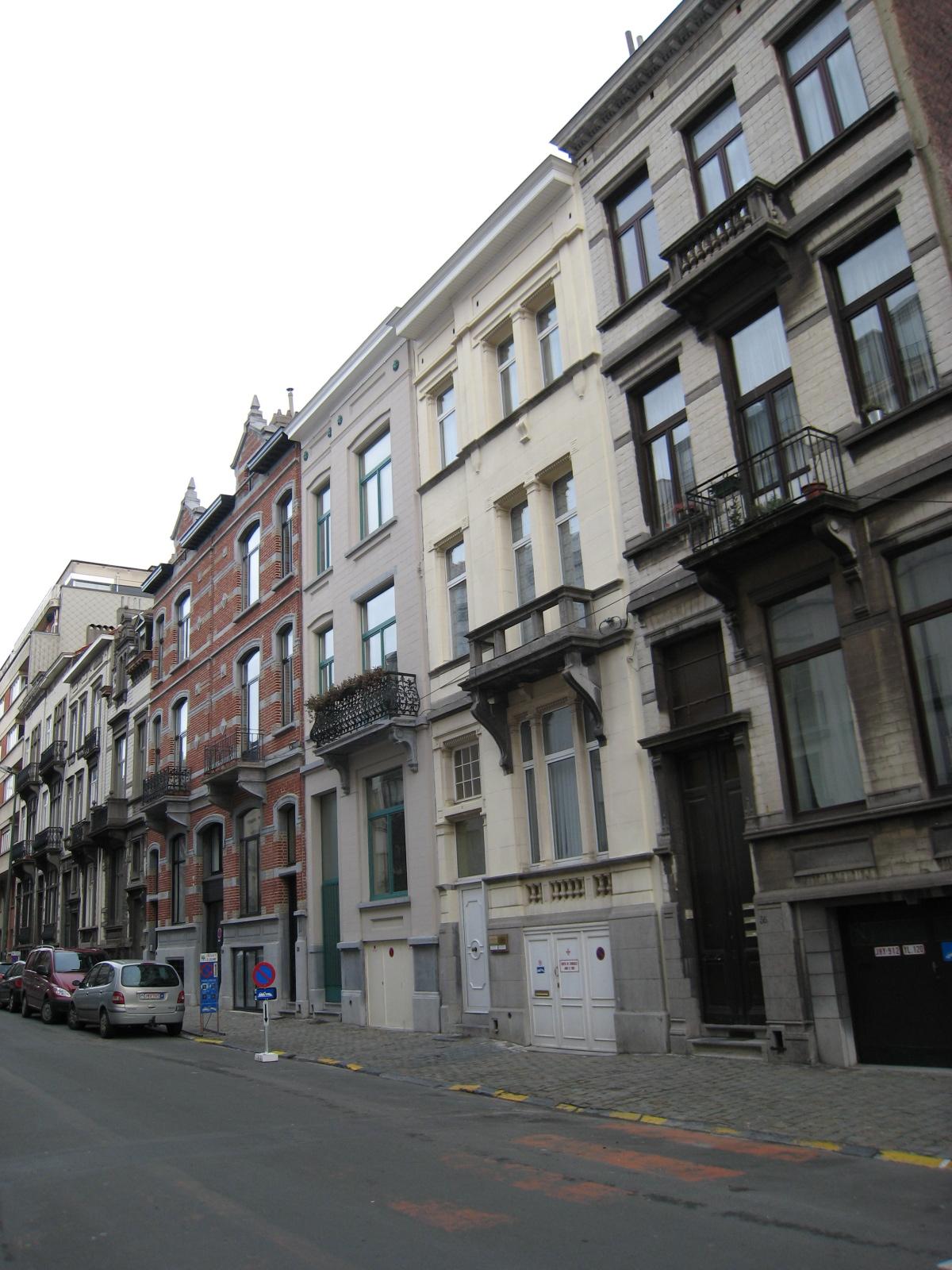 Rue Simonis, côté pair., 2008