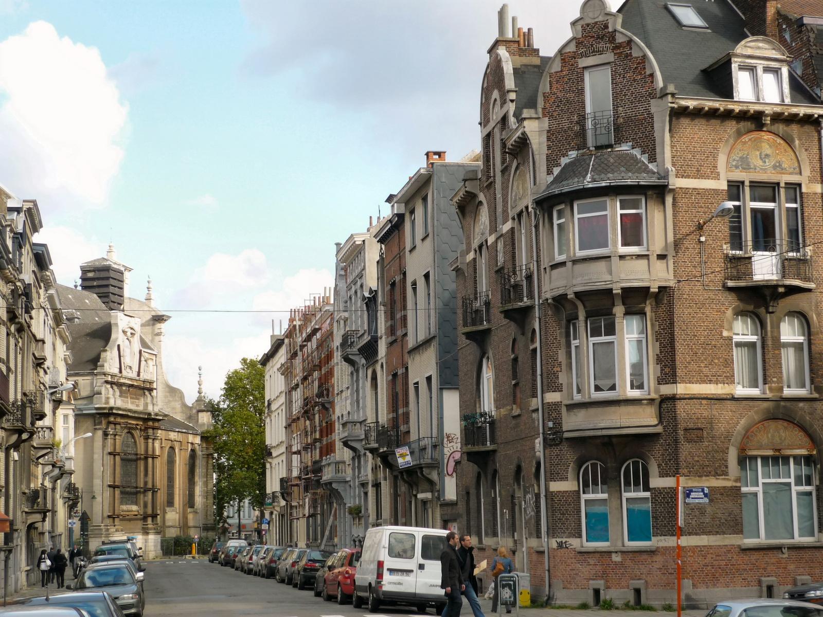 Rue du Tabellion, vers l\'église de la Sainte-Trinité., 2008