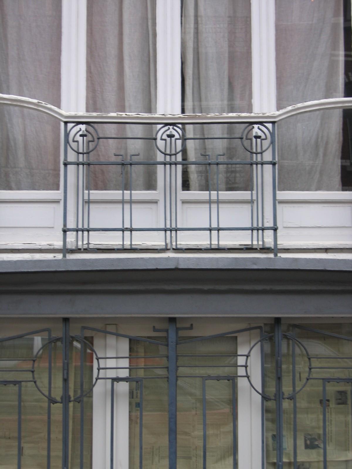 Rue Antoine Bréart 81, grille et garde-corps Art nouveau., 2004