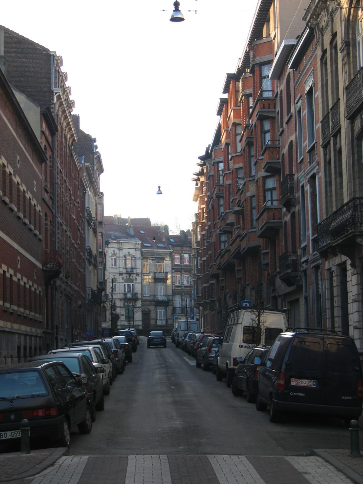 Rue du Fort, vue vers l\'avenue du Parc., 2004