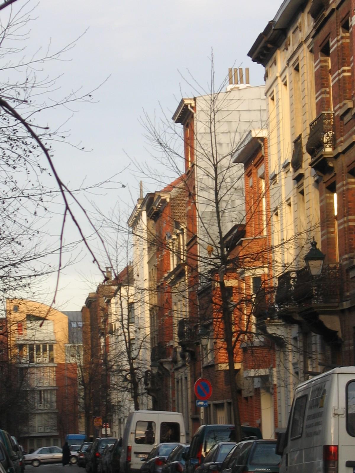 Rue Guillaume Tell, vue depuis la rue de la Perche, numéros impairs., 2004