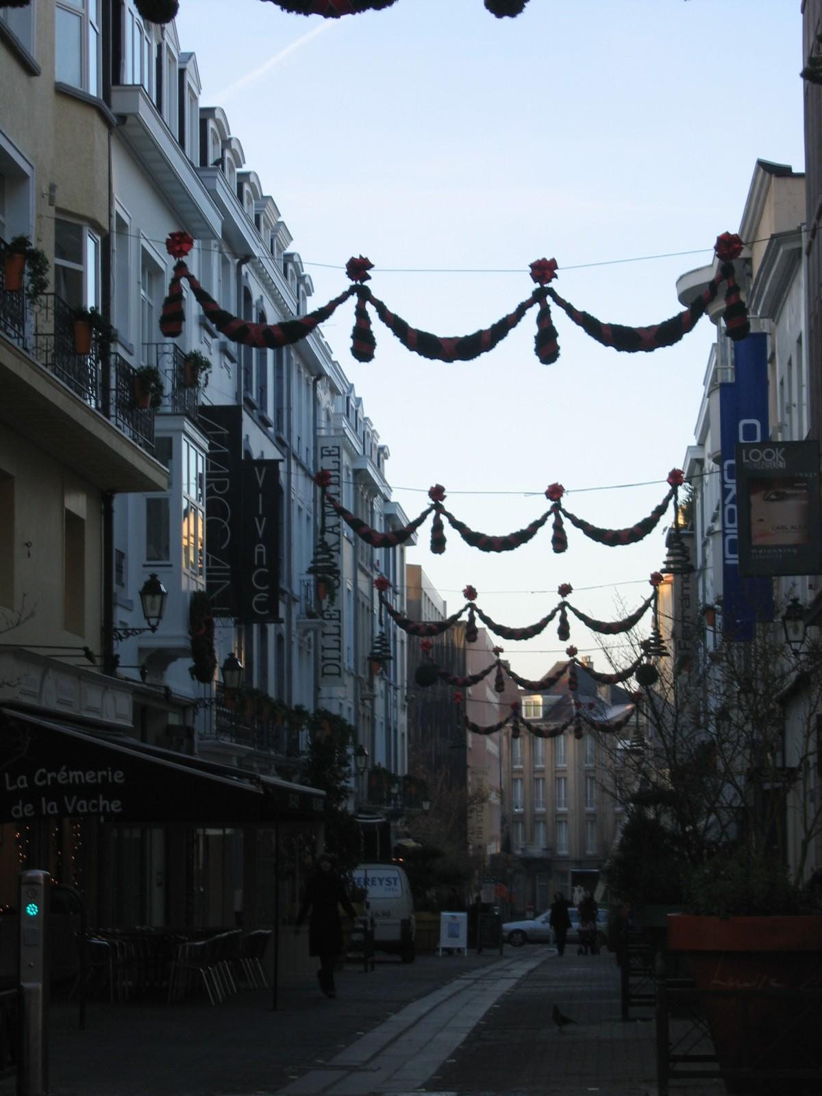 Rue Jean Stas, vue depuis l'avenue Louise, numéros pairs., 2005