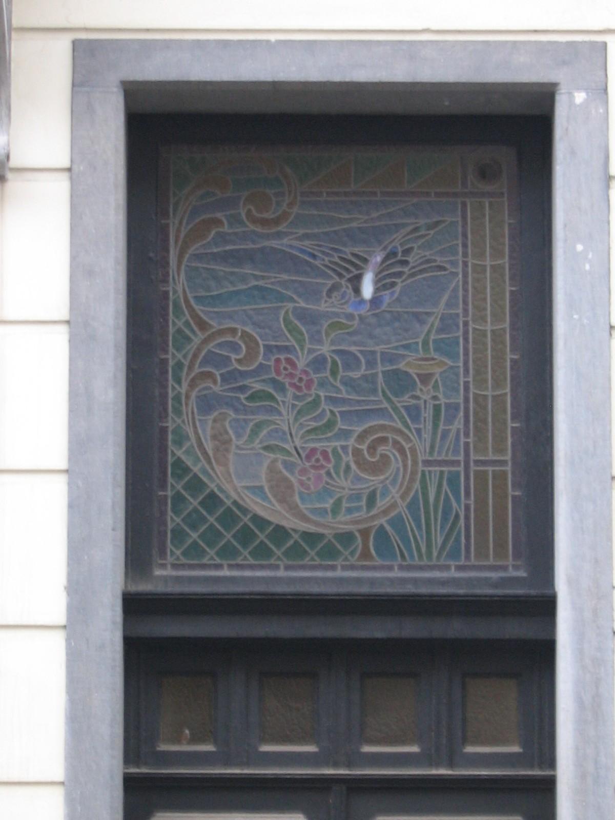 Loncinstraat 20, impostvenster met glas-in-lood, 1903, arch. Henri Martyn., 2005